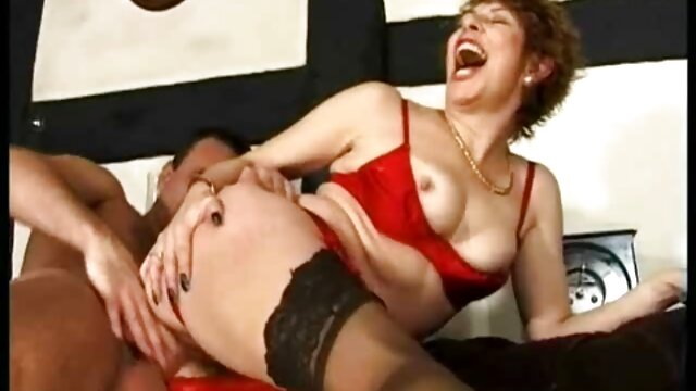 Chicas jóvenes follan madura xxx español latin lesbiana mamá
