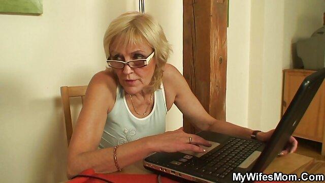 Anita Rinaldi de Hungría porno en idioma español latino