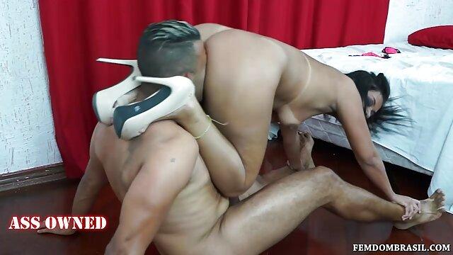 Papi seduce a mamá peluda para follar su primera vez anal porno en idioma español latino