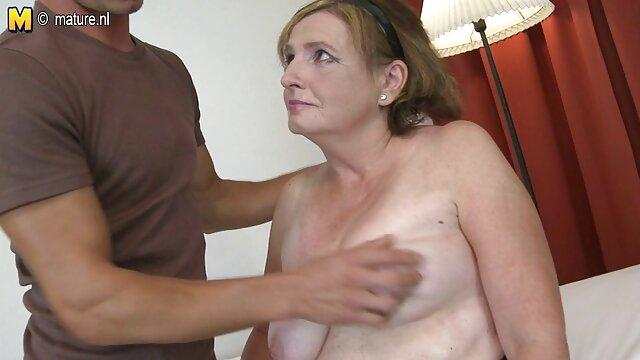 esposa japonesa mamada videos porno en español latino y posición misionera
