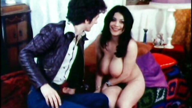 FuckedInTraffic - Nena checa cubierta de semen en sexo en porn audio latino el coche