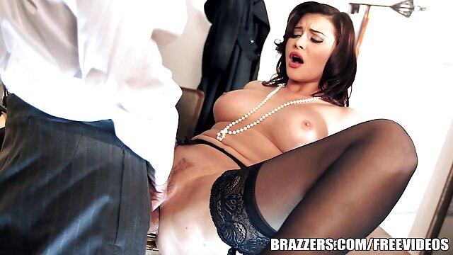 Teenfidelity porrista Lily Jordan creampied videos de sexo español latino